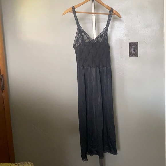 Vintage women's small black lace silk nightgown